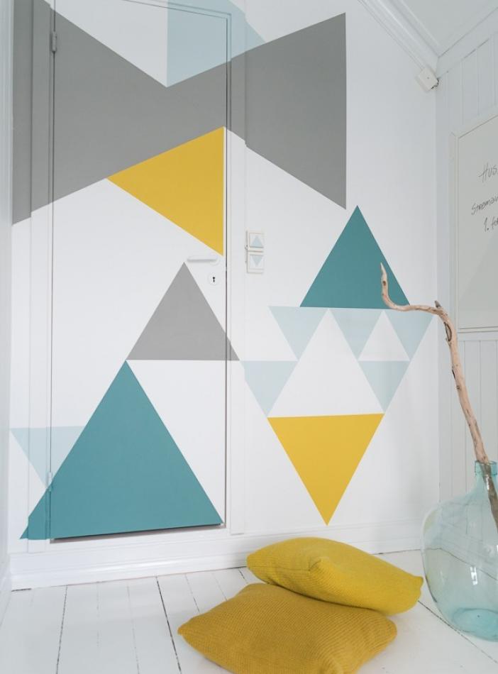 Hazlo tú mismo: Pared con formas geométricas de colores'