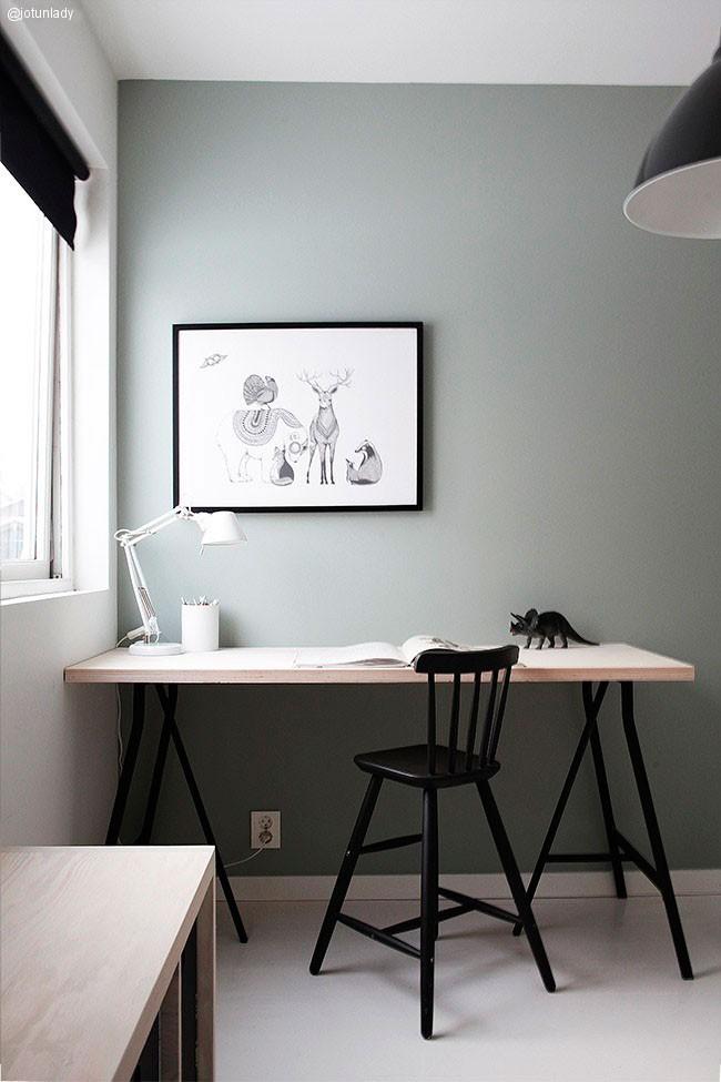 Una habitación infantil en blanco y negro