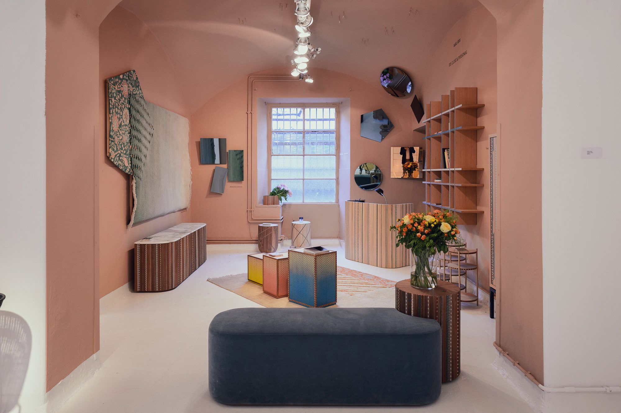 Jotun presenta un nuevo color en la feria del mueble de mil n - Feria del mueble milan ...